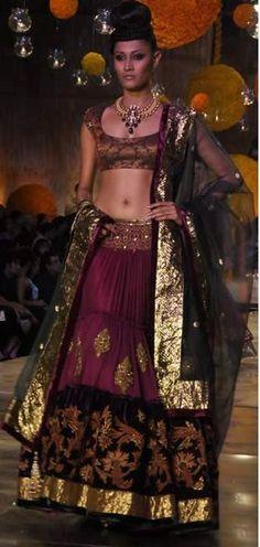oh, Manish Malhotra...your creations make me wanna faint...
