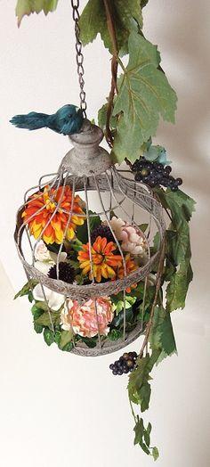 〜 かごの中から飛び出れた幸せの青い鳥 〜 アーティフィシャルフラワー アンティークシャビー系 鳥かごオブジェ ナチュラル癒し系