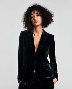 Image 2 of VELVET BLAZER from Zara