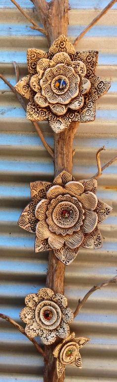 Handmade ceramic flowers click now for info. Ceramic Wall Art, Ceramic Clay, Ceramic Pottery, Pottery Art, Pottery Ideas, Ceramics Projects, Clay Projects, Clay Crafts, Ceramic Flowers