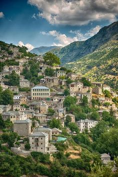 Syrrako village in Ioannina, Epirus, Greece Antigua Yugoslavia, Places To Travel, Places To See, Travel Pics, Beautiful World, Beautiful Places, Myconos, Places In Greece, Belle Villa