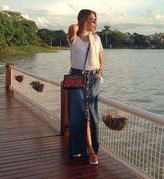 Look+descolado+com+saia+longa+jeans