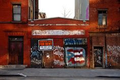 Photos of Brooklyn Before and After the Hipsters | 78 Greenpoint Avenue, 2007 | Credit: Kristy Chatelain | From Wired.com