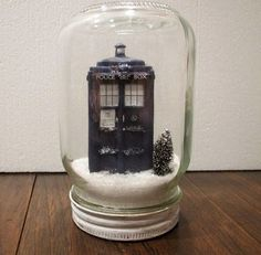 Relive your favorite Doctor Who wintertime adventures with this easy to make little Tardis diorama. http://hative.com/doctor-who-or-tardis-designs-and-ideas/