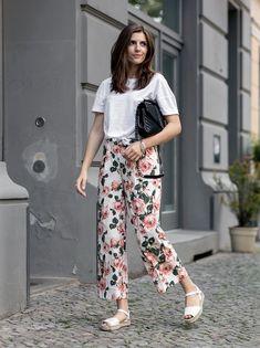 250 Ideas De Pantalones Floreados Pantalones Floreados Moda Ropa