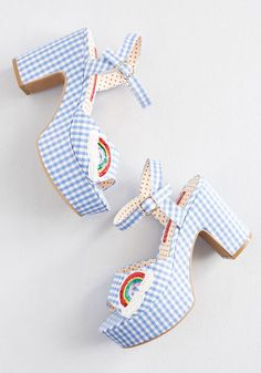 With their blue-and-white gingham print, gold buckles, and sequin rainbow appliques, these platform heels from B. Footwear just can't get any. Fancy Shoes, Cute Shoes, Me Too Shoes, Women's Shoes, Aesthetic Shoes, Aesthetic Fashion, Fashion Shoes, Diy Fashion, Punk Fashion