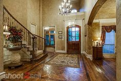 High ceilings in the entry way. Real Estate Photography | Shoot2Sell.net