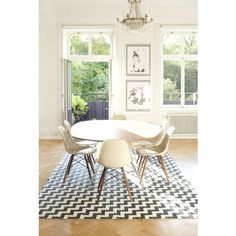 Brita Sweden is a family run Swedish brand based in Stockholm. We design and produce sustainable and high quality wool blankets,rugs & runners for your home. Eames Chairs, Dining Chairs, Chevron Rugs, Modern Interior, Interior Design, Round Dining Table, Dining Area, Dining Room, Decoration Table