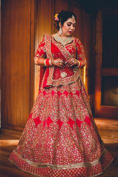 #bride #sabyasachi #lehenga #indianbride Indian Wedding Gowns, Indian Bridal Wear, Punjabi Bride, Sabyasachi, Bridal Lehenga, Outfit Posts, Curvy Fashion, Indian Fashion, Lifestyle Blog