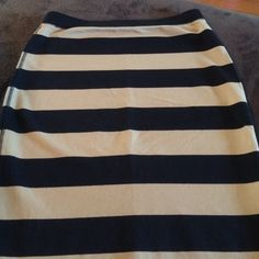Striped Old Navy pencil skirt Old Navy Small striped pencil skirt. Never worn. Colors are black and khaki. Old Navy Skirts Pencil