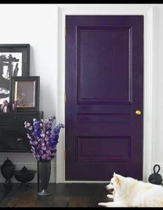Purple interior door? Why not! This can add colour to a bright and neutral room without making it dark and gloomy.