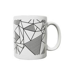 Grafische schwarz-weiß-Becher mit Dreiecken von MilieO auf Etsy