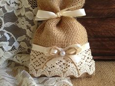 rustic 10 lace covered natural color burlap favor by PinKyJubb Burlap Wedding Favors, Burlap Favor Bags, Wedding Favor Bags, Burlap Projects, Burlap Crafts, Burlap Ornaments, Lavender Crafts, Baby Shower Gift Bags, Creative Gift Wrapping