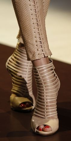 Gucci nude cage sandals