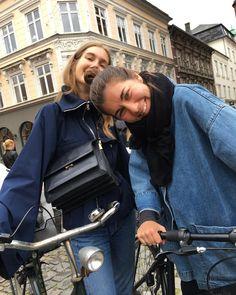 """1,337 Likes, 8 Comments - Amalie Moosgaard Nielsen (@amaliemoosgaard) on Instagram: """"Kusinen er tilbage i jydelandet! ☔️✌ #højthumør #cykelmyg #Aarhus"""""""
