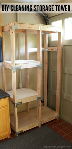 DIY Projects Your Garage Needs -DIY Cleaning Storage Tower - Do It Yourself Garage Makeover Ideas Include Storage, Organization, Shelves, and Project Plans for Cool New Garage Decor Diy Projects Garage, Cool Woodworking Projects, Diy Wood Projects, Diy Woodworking, Home Projects, Garage Ideas, Popular Woodworking, Woodworking Furniture, Garage Bar