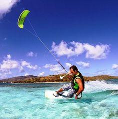 Deportes extremos en Ecuador Kitesurf para los apasionados del mar