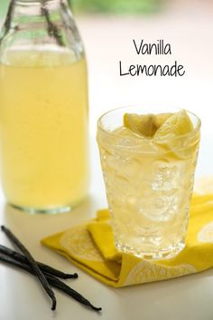 Klasszkus limonádé vaníliával - Vanilla Lemonade - Cool down with this refreshing vanilla-infused take on classic lemonade! Refreshing Drinks, Summer Drinks, Fun Drinks, Healthy Drinks, Beverages, Smoothies, Smoothie Drinks, Lemonade Beyonce, Flavored Lemonade
