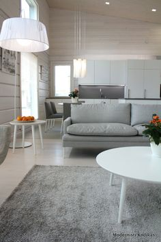 Modernisti Kodikas: Asuntomessut 2014: Kontion kaupunkihirsikoti Scandinavian Interior Design, Scandinavian Home, Cozy Living Rooms, Home And Living, Cozy Reading Corners, Cottage Renovation, House In The Woods, Log Homes, Sweet Home