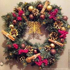 VK is the largest European social network with more than 100 million active users. Christmas Mood, Christmas Wreaths, 4th November, Ornament Wreath, Photo Wall, Halloween, Holiday Decor, Home Decor, Diy Crafts