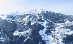 Le plus beau et le plus grand domaine skiable du monde ! / The largest and most beautiful ski area in the world! © David Andre
