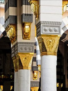 islamimanihsan:    quranclub:  Columns at Masjid an-Nabawi (Mosque of the Prophet ﷺ) in Madinah, Saudi Arabia | IslamicArtDB