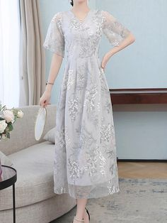 Kebaya Lace, Kebaya Dress, Dress Pesta, Cheongsam Dress, Elegant Dresses, Vintage Dresses, Beautiful Dresses, Chifon Dress, Lace Dress