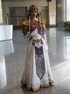 I love this cosplay. It's so detailed and beautiful. Cosplayer- The Princess of Hyrule Princess Zelda Costume, Zelda Twilight Princess, Cosplay Outfits, Cosplay Costumes, Cosplay Girls, Amazing Cosplay, Best Cosplay, Cool Costumes, Halloween Costumes