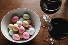We made it: Easter in Denmark finally here and winter is surely behind us, right? Danish Easter, or Påske, is filled with so many wonderful traditions, including, of course, Danish Easter food.