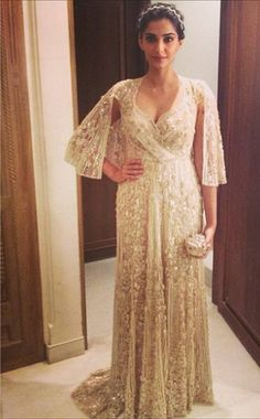 Wow!!!! I love Sonam and we love the Shehla Khan gown on her and the hair was spot on. We like. A Judith Leiber minaudiere completed her look.    What do you think of it?