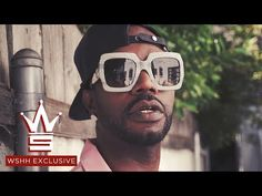 "New video Juicy J ""No Look"" (Prod. by Southside) (WSHH Exclusive – Official Music Video) on Watch the official music video for 'No Look' by Juicy J. Off Juicy J's ""Gas Mask"" which is out now:. Gas Face, Juicy J, Hip Hop News, Dns, What's Trending, My Favorite Music, Stunts, Mixtape, Anonymous"