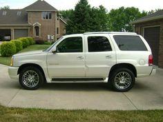 2004 Cadillac Escalade AWD 333967430 | $17,550.00