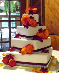 wedding cakes photo: Sparkle Square Twist Wedding Cake SparkleSquareTwistWeddingCake.jpg