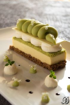 Gourmet dessert with mango, avocado, lemon and thyme. Gourmet Desserts, Fancy Desserts, Plated Desserts, Just Desserts, Delicious Desserts, Dessert Recipes, Pastry Recipes, Mini Cakes, Cupcake Cakes