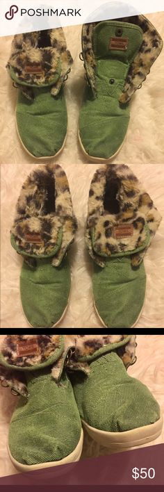 Toms Green Canvas Convertible High tops Leopard Brand: Tom's Size: Women's 8 Color: green  Style: Convertible High Top  Condition: Preowned (pen mark on sole, see photos) Toms Shoes Sneakers