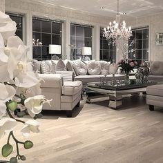 Красота линий и цвета, совмещенная с идеальным порядком, — то, что создает атмосферу уюта в доме.