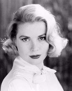 The Faces of Music and Cinema — wehadfacesthen: Grace Kelly, 1954 Grace Kelly, Italian Actress, Old Actress, Classic Hollywood, Old Hollywood, Hollywood Icons, Hollywood Actresses, Vintage Gentleman, Modern Love