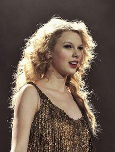 image découverte par justin bieber. Découvrez (et enregistrez !) vos images et vidéos sur We Heart It Young Taylor Swift, Taylor Swift Speak Now, Taylor Swift Fan, Live Taylor, Taylor Swift Pictures, Taylor Alison Swift, Justin Bieber, Taylor Swift Wallpaper, Music Mix