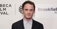 Fallece el actor Anton Yelchin en un extraño accidente - http://www.bezzia.com/fallece-actor-anton-yelchin-extrano-accidente/
