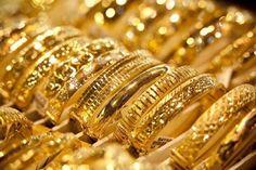 خلال 9 أشهر .. 360 جنيها زيادة في سعر جرام الذهب - صورة ارشيفية ارتفعت أسعار الذهب في السوق المحلية خلال الأشهر القليلة الماضية بشكل غير مسبوق وبصورة جنونية بحيث بلغت قيمة الزيادة في سعر الجرام الواحد نحو 360 جنيها منذ يناير الماضي وحتي اليوم 30 أكتوبر 2016 وذلك في رصد قامت به بوابة أخبار اليوم. وكانت قيمة الذهب عيار 21 قد بلغت 270 جنيها في يناير وسجل اليوم 630 جنيها بزيادة بلغت 360 جنيها خلال 9 أشهر فقط. كما بلغت قيمة الزيادة في سعر جرام الذهب عيار 18 نحو 310 جنيها حيث كان سعره في يناير 230…
