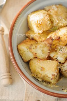 Ranch Roasted Potatoes - Oh my! These look so yummy! Look out for those calories though!