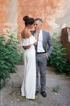 Bride and Groom Portrait by Milles Studio - Stocksy United Couple Style, Girl Couple, Couple Posing, Couple Pictures, Couple Goals, Tall Girl Short Guy, Short Girls, Tall Girl Fashion, Fashion Couple