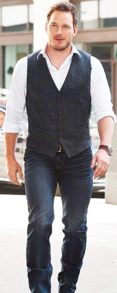 """ Chris Pratt hit the ITV Studios in London on Thursday to record another round of interviews as part of his promo tour for Jurassic World "" Chris Pratt, Chris Evans, Gorgeous Men, Beautiful People, Bugatti Veyron, Estilo Cool, Raining Men, Chris Hemsworth, Actors & Actresses"