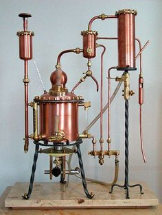 I became interested in making strong drinks at home. He passed a glorious way from his father's moonshine machine to the alambic. Moonshine Still Plans, Copper Moonshine Still, Home Distilling, Distilling Alcohol, Coffee Machine Design, Coffee Maker Machine, Whisky, Beer Brewing, Home Brewing