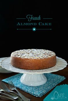 French Almond Cake - incredibly delicious and incredibly easy. One-bowl, no-mixer, just-a -few-minutes-to-throw together! Sweet Recipes, Cake Recipes, Drink Recipes, French Dessert Recipes, Recipes Dinner, Delicious Recipes, Healthy Recipes, Cake Cafe, Almond Cakes