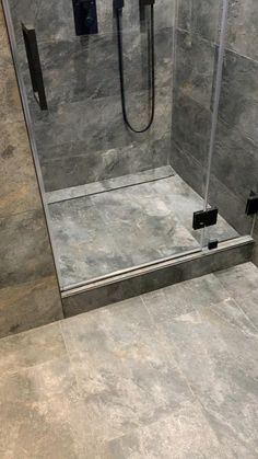Washroom Design, Bathroom Design Luxury, Bathroom Layout, Modern Bathroom Design, Small Bathroom, Washroom Tiles, Bathrooms, Room Design Bedroom, Home Room Design
