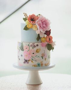 Floral Wedding Cakes Wedding cake trends for From Naked to painted - The wedding cake is the center of your wedding's decor. Marble cakes, naked cakes, painted cakes and more. Pretty Wedding Cakes, Floral Wedding Cakes, Wedding Cake Designs, Pretty Cakes, Blue Wedding, Dessert Wedding, Wedding Flowers, Trendy Wedding, Luxury Wedding