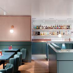 Mitten in der Alstadt in Zürich hat das dritte Restaurant Helvti Diner aufgemacht. Hier gibt es die besten Burger und sagenhaft schöne Einrichtung