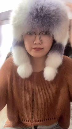 Kawaii Fashion, Fox Fur, Winter Coat, Asian Woman, Knitted Hats, Fashion Show, Fur Coat, Beautiful Women, Ootd
