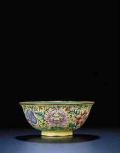 A CANTON ENAMEL YELLOW-GROUND BOWL  QIANLONG SIX-CHARACTER BLUE-ENAMELLED SEALMARK AND OF THE PERIOD (1735-1795) 173k